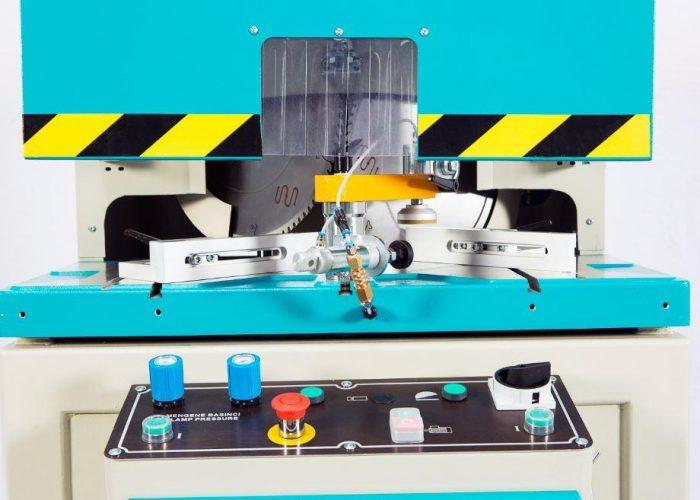 VK 420 - V Kesme & 90° Kertme Makinesi